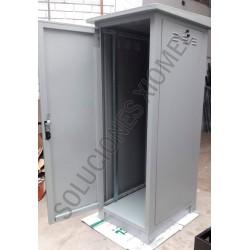 Gabinete de Piso para Exterior IP65 24RU Acero Laminado Gris